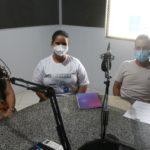 Magno Andrade (Diretor da Atenção Básica e Coordenador de Saúde Bucal), Gleise Nunes, (Coordenadora da Vigilância Epidemiológica), Emanuelle Lessa, (Coordenadora do núcleo de monitoramento COVID-19)